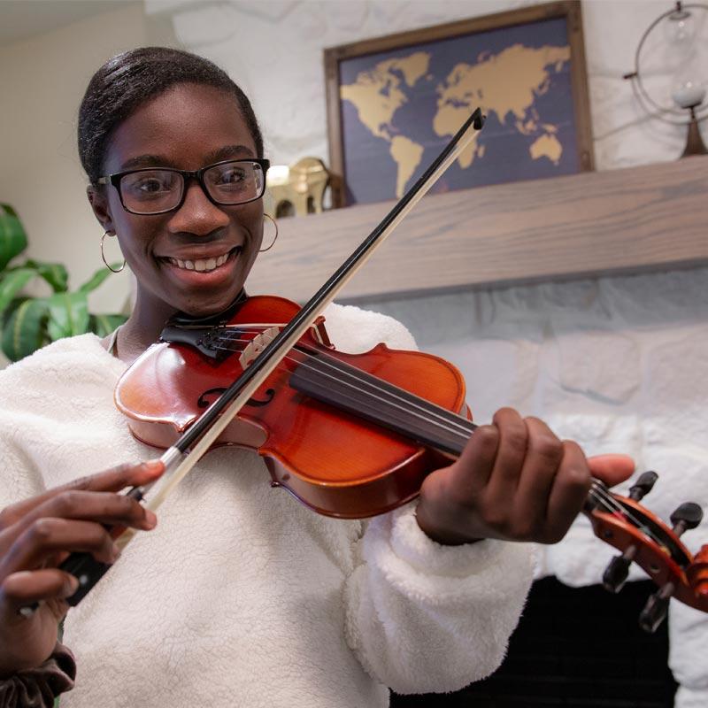 Felicia with violin